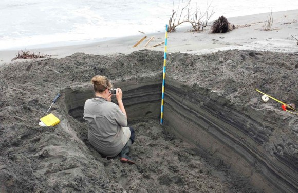 Jessica Pilarczyk examining the Typhoon Haiyan recovery deposit.