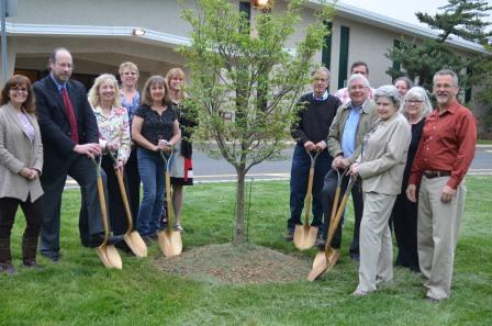 L-R: Lisa Rothenburger, RCE 4-H Agent; Mike Frost, Director of Human Services,Somerset County; Daryl Minch, RCE Family and Community Health Sciences Agent; Carol Ward, RCE 4-H Agent; Nancy Mullin, RCE Master Gardener; Michelle Samarya-Timm, Somerset County Health Department; Ed Seidel, President, Somerset County Board of Agriculture; Sam Conard (rear), farmer, Belle Mead, NJ; Joe Bakes, Past-President, Somerset County 4-H Association; Betty Sommerville (rear), Somerset County 4-H Club Leader; Camille Haberle, RCE Master Gardener; Peggye Tombro, RCE Master Gardener; and Nick Polanin, RCE Ag Agent.