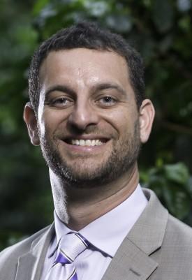 Ari Novy, GSNB '12, is a plant biologist.