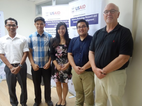 L-R: STRIDE scholars Richard Licayan, Arlan Rodeo, Micaela Perlada and  Peter Tenido with Prof. Mark Robson.