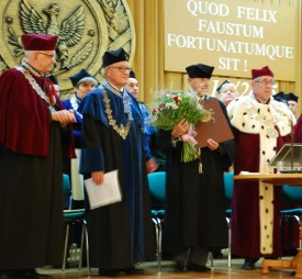 Emeritus Prof. Karl Maramorosch receives honorary docturate from his alma mater, the Warsaw University of Life Sciences.