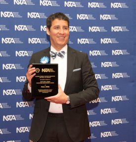 Paul Orbe, (Cook College Class of 1994) receiving the 2016 Urban Science Educator Development Award from the National Science Teaching Association (NSTA) and Shell in Nashville, TN, May 2016